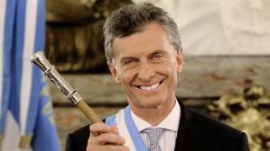 """Y """"nuestro"""" presidente de Boca... digo de Argentina, Mauricio Macchir... digo, Macri, otro judío. Ver las comisuras de los labios, transpasan claramente las púpilas del ojo (casi se alínean con los extremos de cada ojo). Ese es un rasgo judío también, no sólo la nariz grande."""
