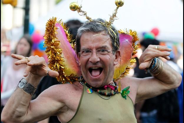 Egipto – Arrestados 7 gays por sacar la bandera arco iris en 1concierto