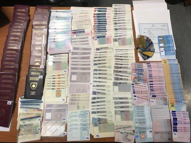 ( GB ) Detectada una macro-red criminal con laboratorio clandestino para el tráfico ilegal deinmigrantes